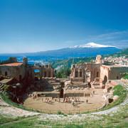 Taormina - Teatro Greco - Cuori Giovani